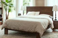Nên chọn giường gỗ tự nhiên có kích thước phù hợp với không gian