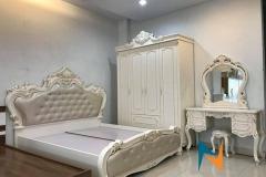 giuong-son-trang-nhap-khau-1m80-boc-da-mau-ngoc-trai-gstnk5300
