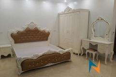 giuong-son-trang-nhap-khau-1m80-boc-da-mau-socola-gstnk5300