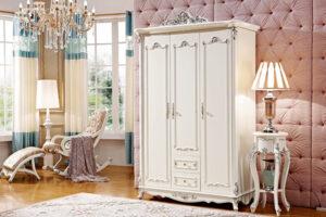 Một chiếc tủ quần áo đẹp sẽ trang điểm cho không gian nội thất gia đình bạn
